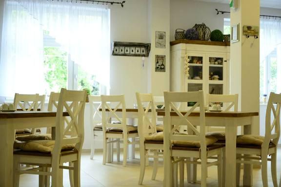 Drevený nábytok biely