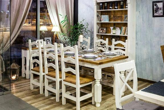 rustikálny nábytok do jedálne