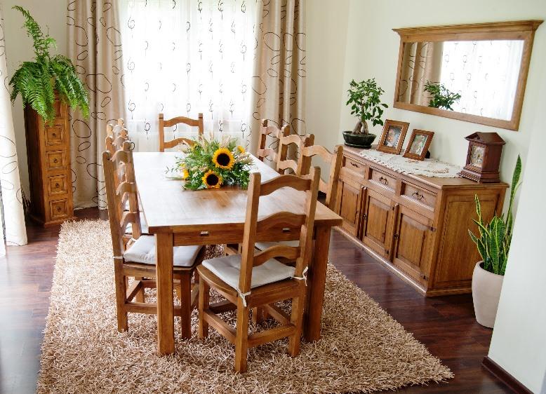 Drevený nábytok , rustikálny