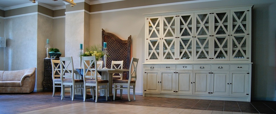 Luxusný drevený nábytok