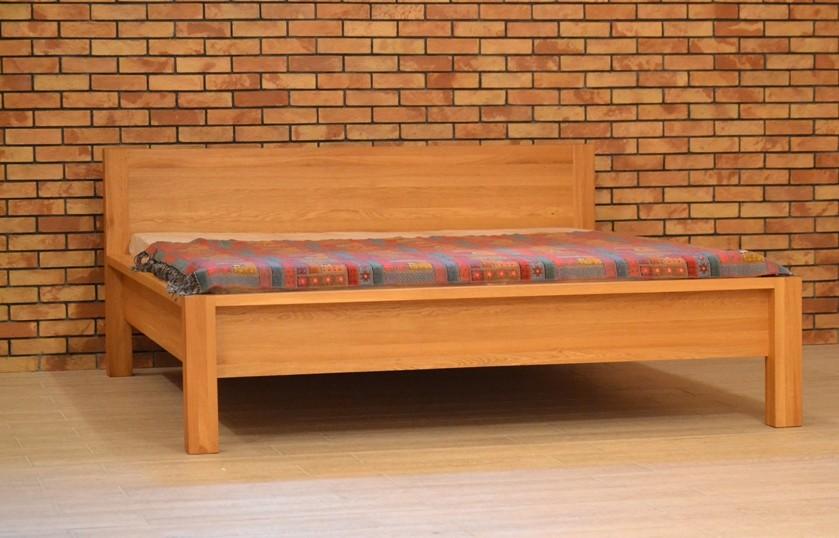 Dubová posteľ 180 x 200