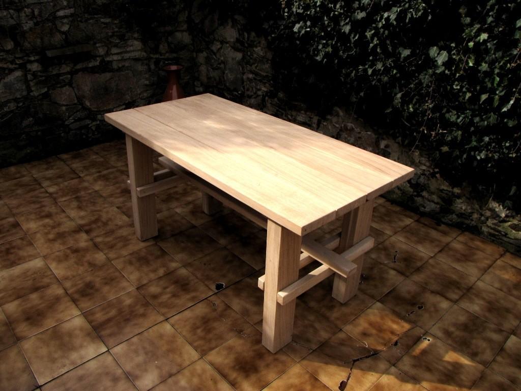dubový stol