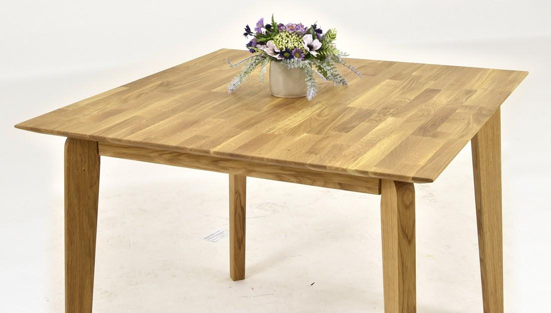 Dubový stôl z čistého dreva