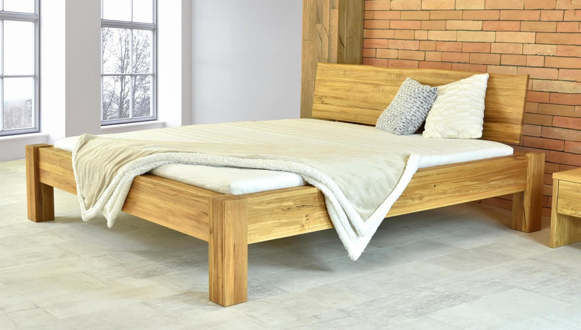 Dubová posteľ masív