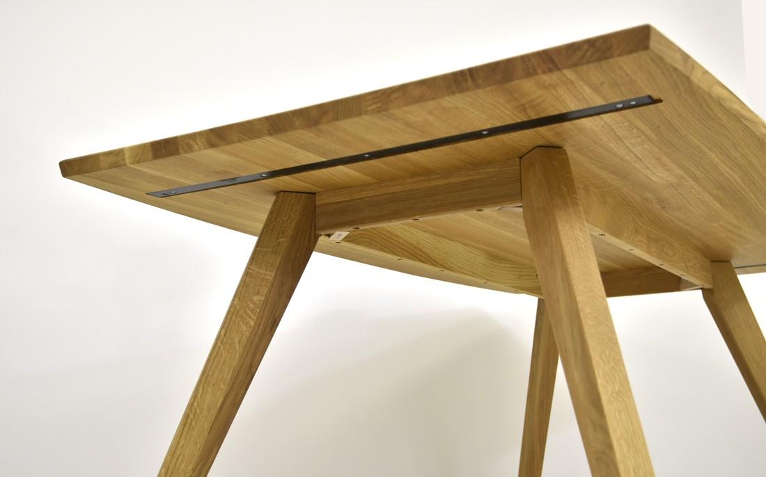 Stôl z dubu do jedálne