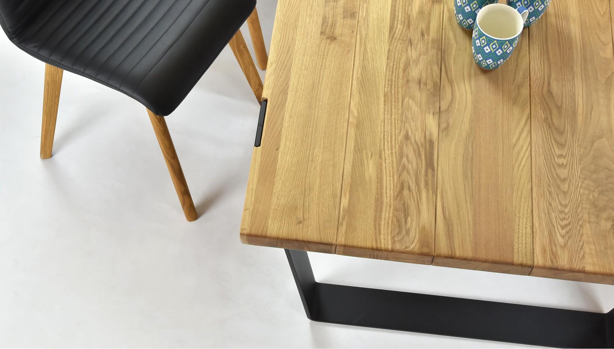 Rodinný stôl do jedálne dub masív a kožená stolička v čiernej koži
