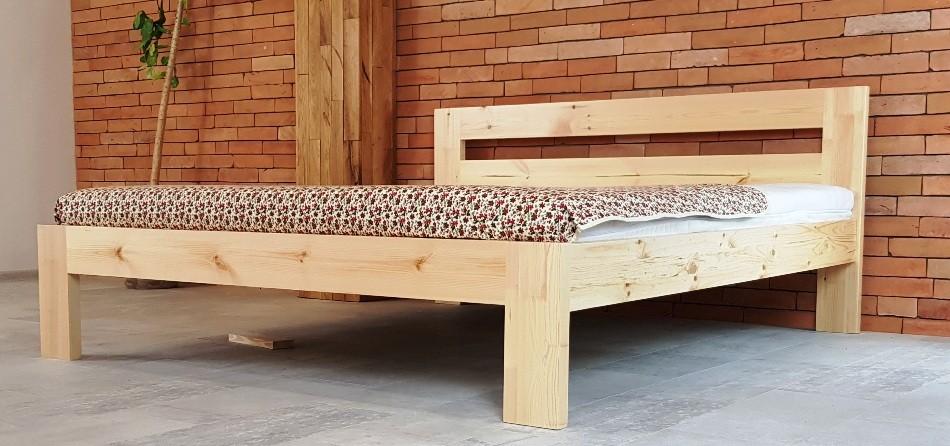 Drevená manželská posteľ z masívu - 180 x 200 cm