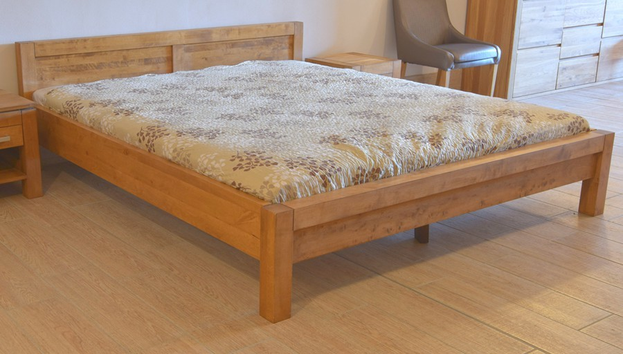 bfb0fb712726 Manželská posteľ z dreva 160 x 200 dub