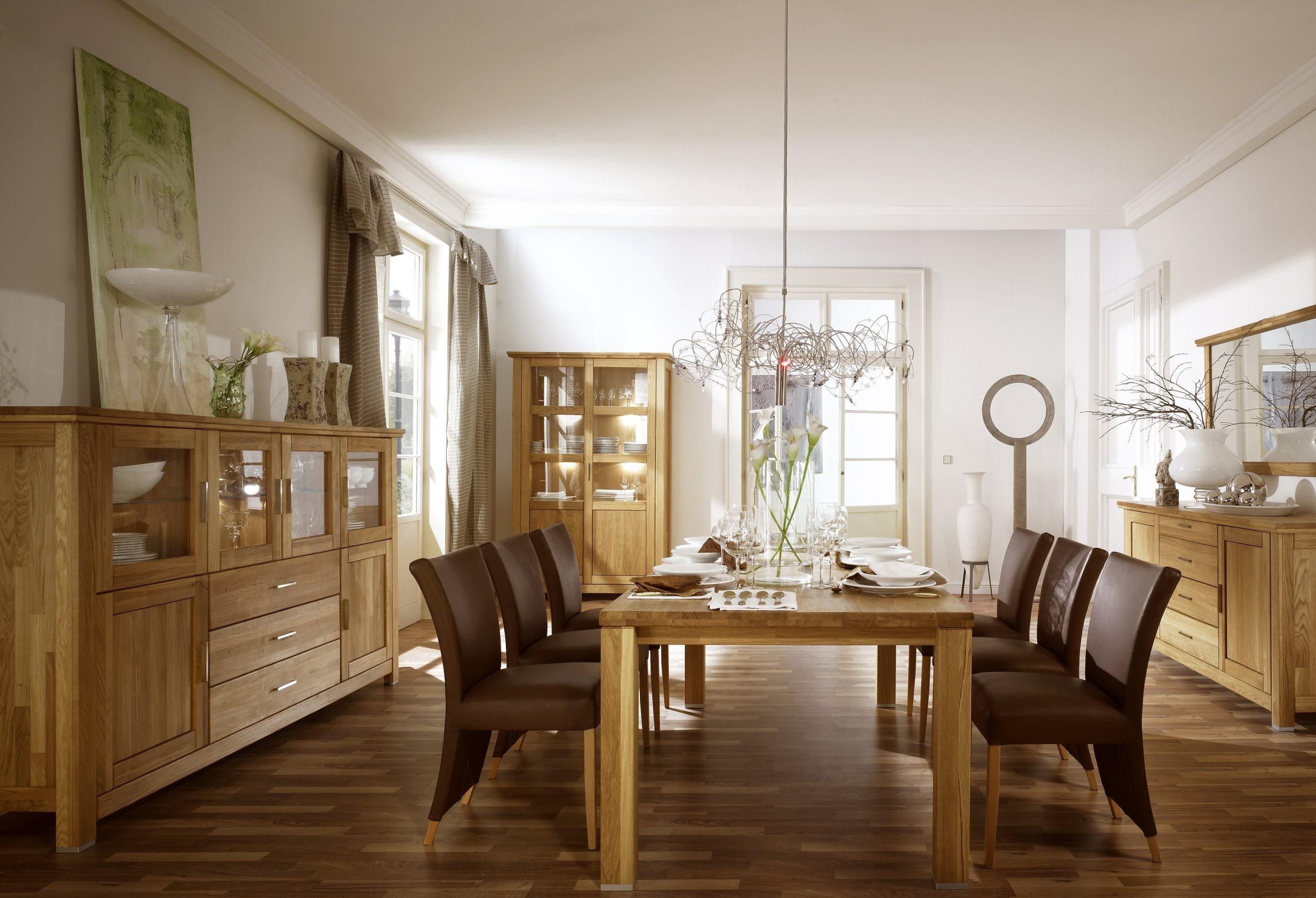 dubový nábytok do obývačky a jedálne