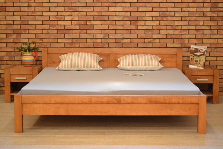 Manželská posteľ z dreva 180 x 200, Model L 5 , farba gaštan