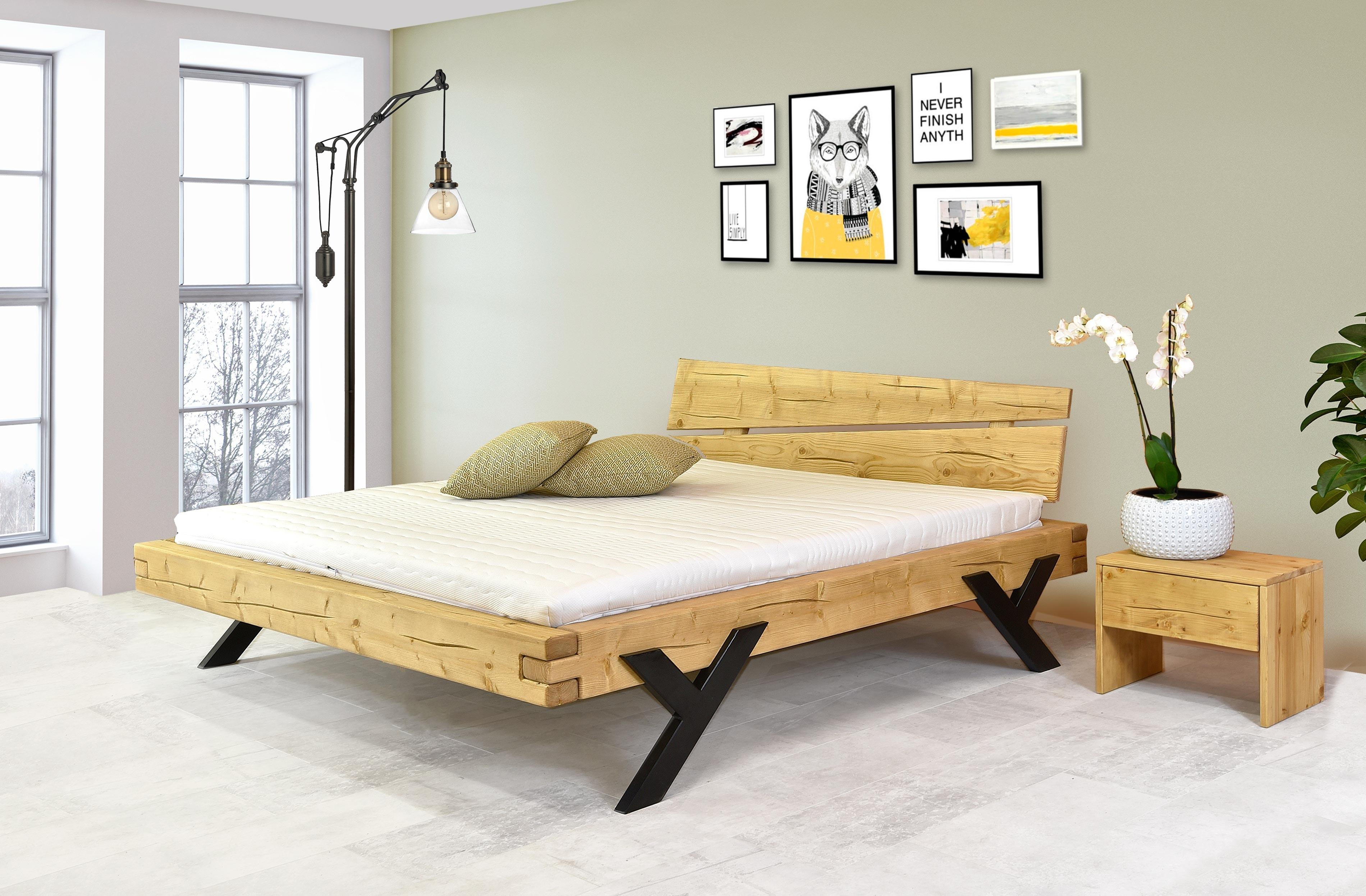 pevna manzelska postel z dreva