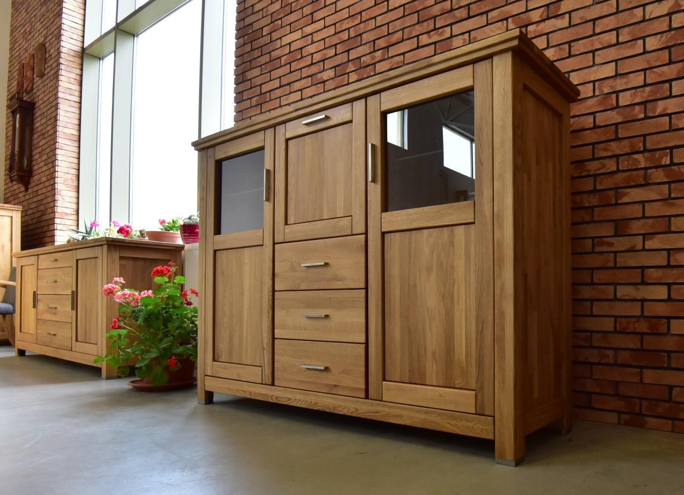 Luxusný príborník z dubového dreva