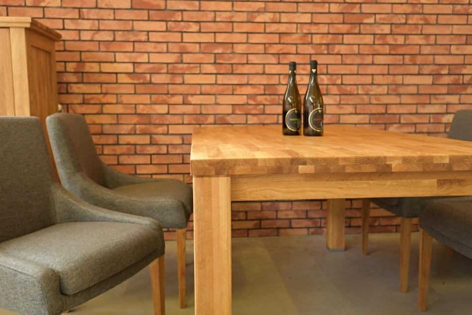 de5a57fe8514 Drevený jedálenský stôl a stoličky