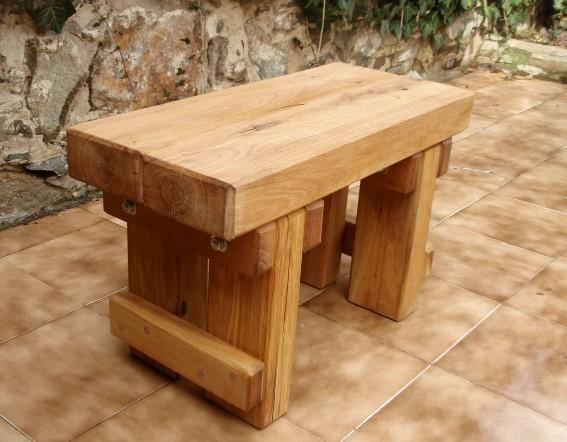 Záhradný stolček dub