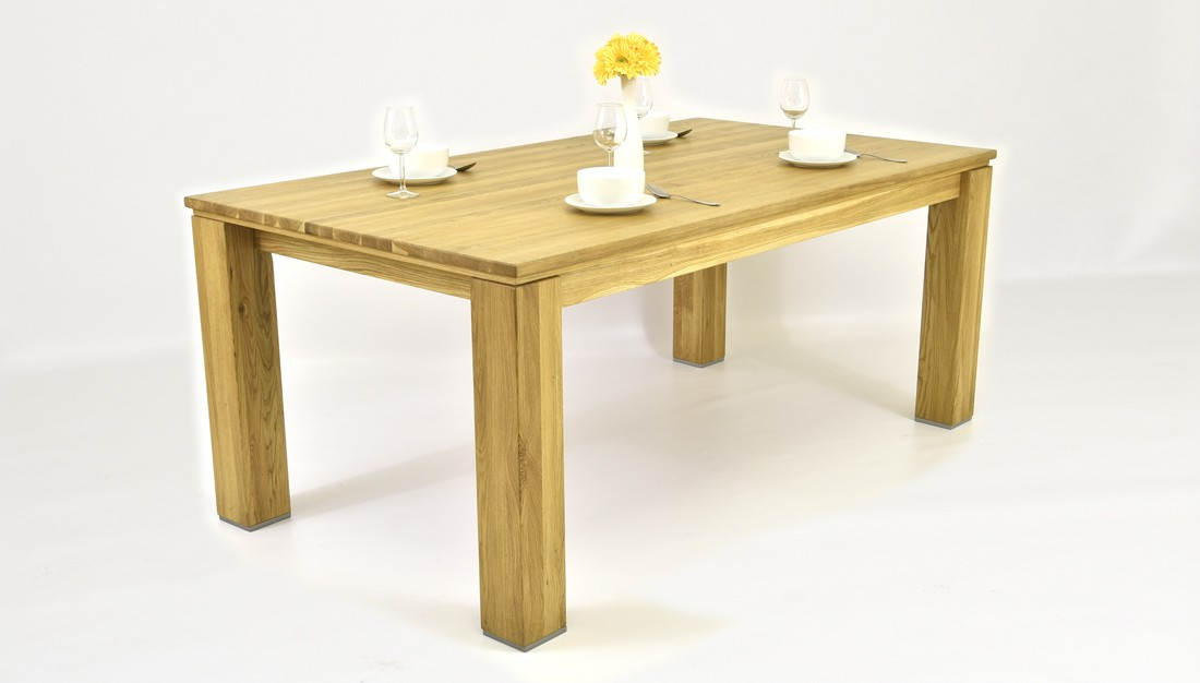Stôl do jedálne z dubu