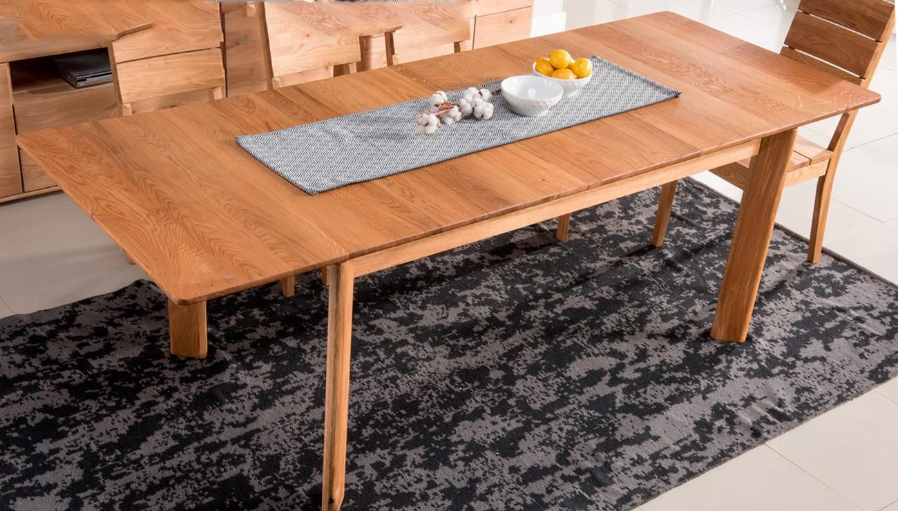 Praktický rozkladací stôl do jedálne z dubu