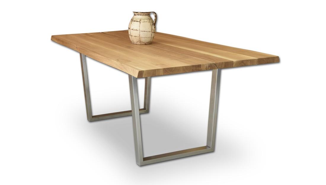 Jedálenský stôl oceľové nohy