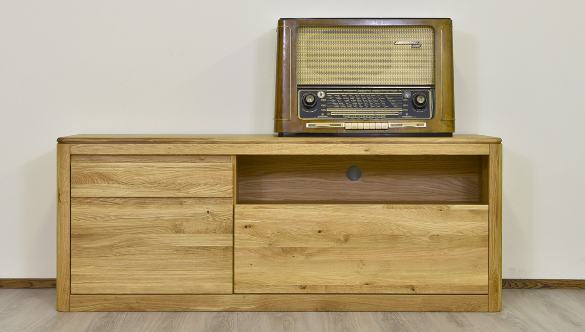 Televízna komoda z dubového dreva
