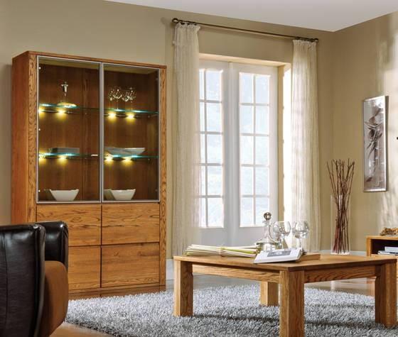 Moderná vitrína - farba orech