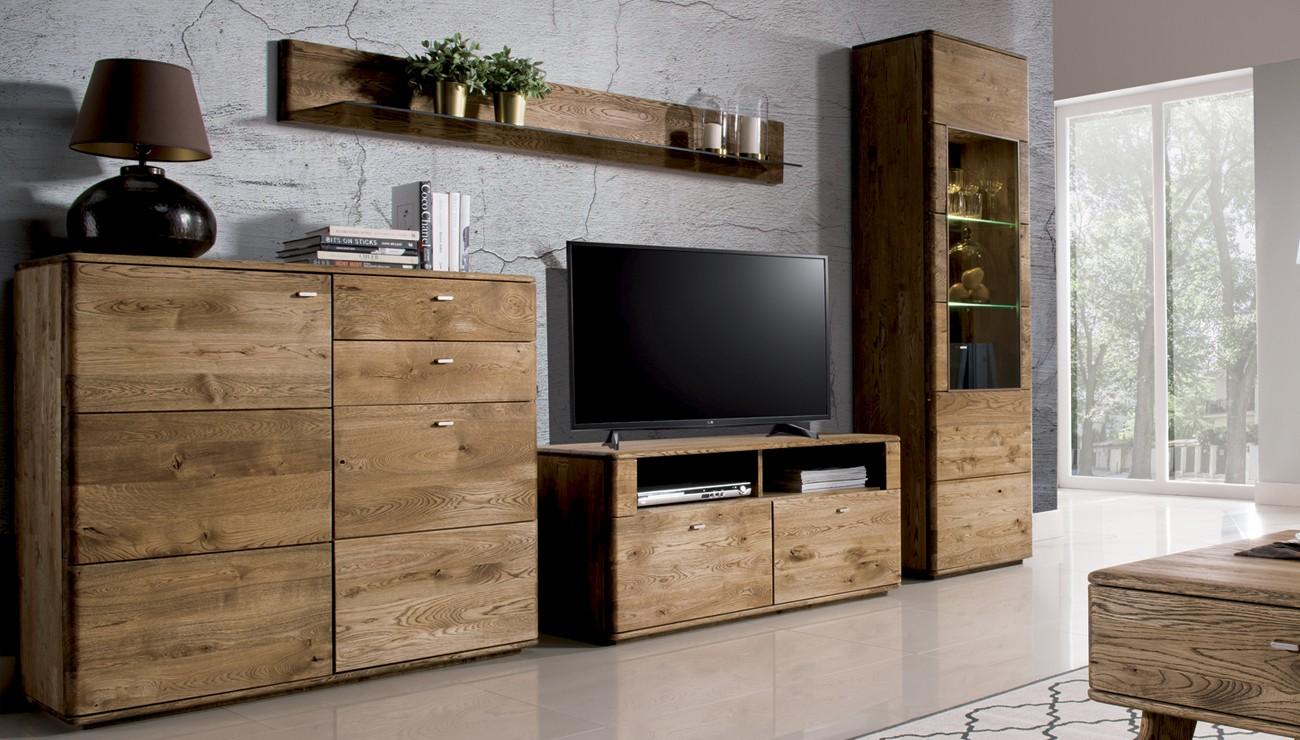 Retro nábytok z dreva do obývačky