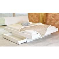 Biela manželská posteľ z masívu