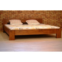 Kvalitná posteľ z masívu