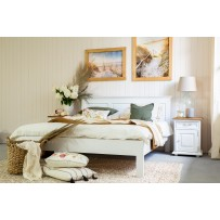 Drevená manželská posteľ masív