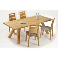Pevný dubový stôl a pohodlné stoličky z dubu