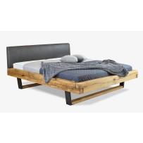 Moderná manželská posteľ z dubu do spálne