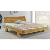 Pevná drevená manželská posteľ z masívu