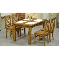 Drevený stôl pre 4 osoby